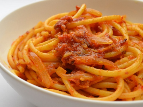 bucatini all amatriciana bucatini all amatriciana alla robert sietsema ...