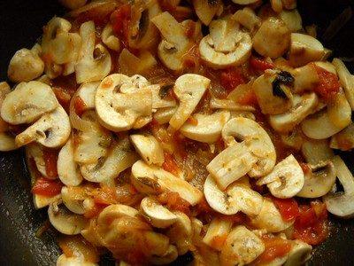 Funghi al pomodoro
