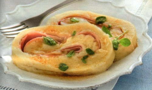 Rotolo di patate con prosciutto e scamorza