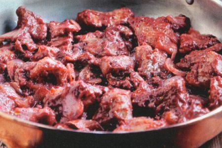 Tocchetti di carne al vino
