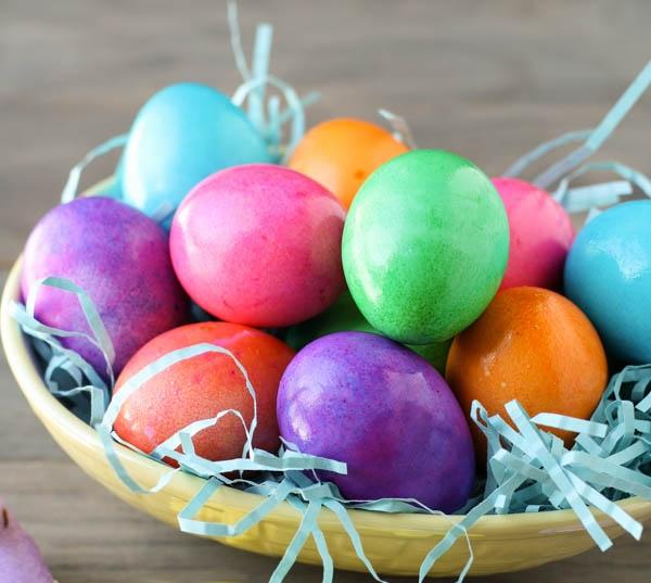 Come dipingere le uova sode di pasqua in modo naturale - Uova di pasqua in casa ...