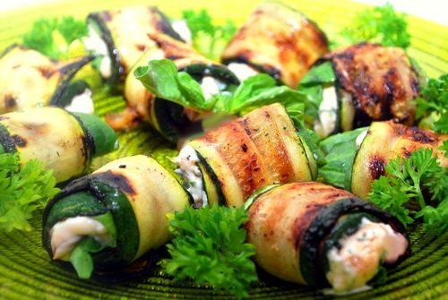 Rotolini light di zucchine e formaggio