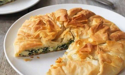 Torta di pasta sfoglia con spinaci e ricotta