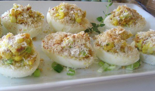 Uova sode farcite e gratinate
