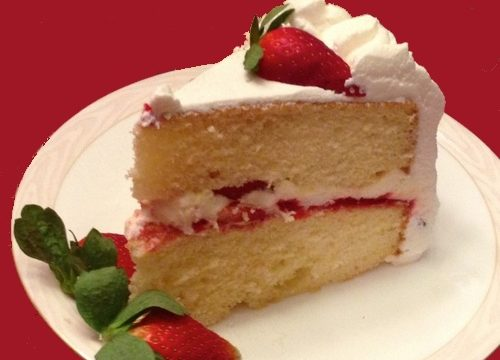 Torta alle fragole con crema chantilly
