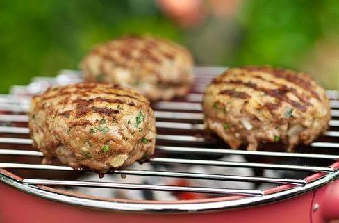 Bistecche di carne trita al curry