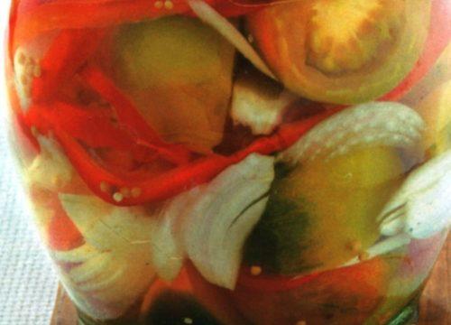 Conserva di pomodori verdi sott'aceto