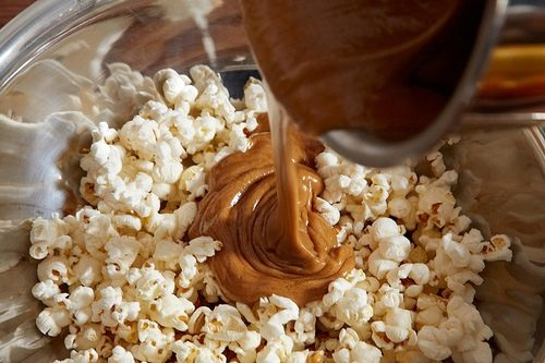 Pop corn caramellato