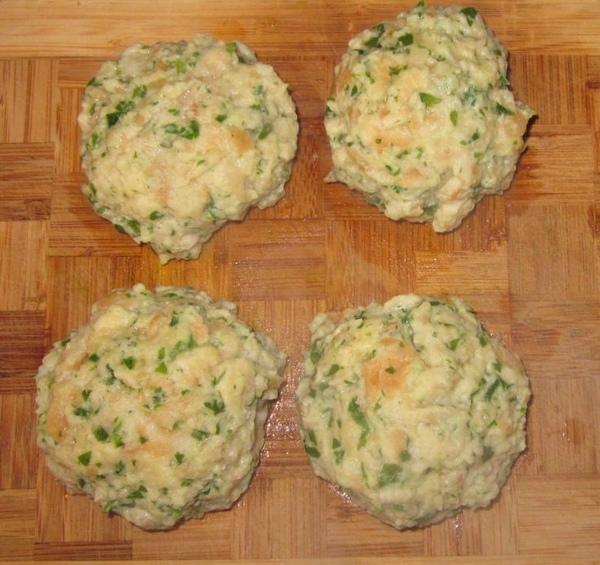 Gnocchi di pane gorgonzola alle erbette