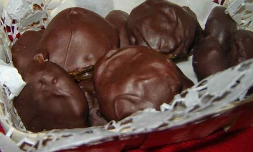 Fichi secchi farciti e ricoperti di cioccolato