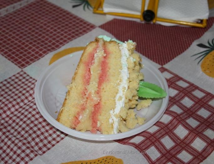 Torta mimosa farcita e decorata 2