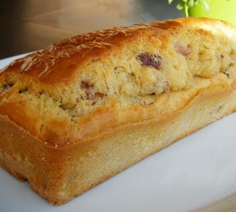 Plum-cake rustico al salame al lievito istantaneo