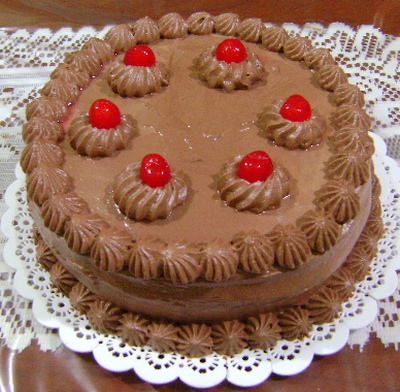Torta farcita alla crema di torrone croccante e cioccolato