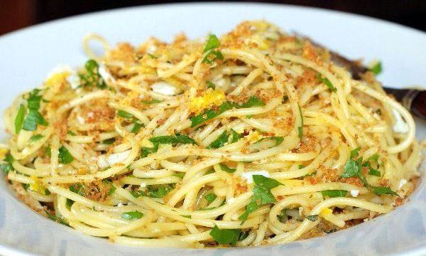 Spaghetti al Pangrattato e uovo sodo