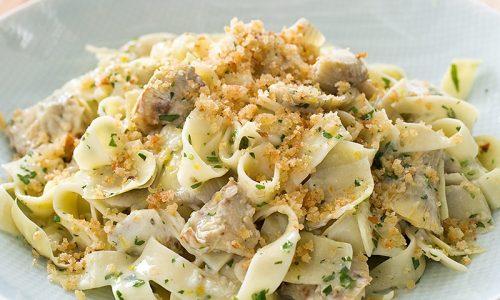 Lasagnette ai carciofi e salsiccia gratinati