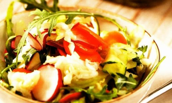 Insalata veloce di verdure miste