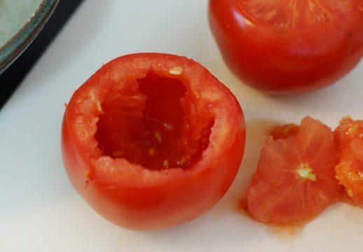 Pomodori farciti alle acciughe e pangrattato