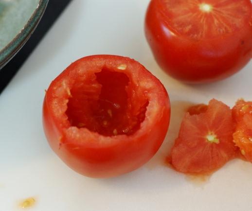 Pomodori farciti alle acciughe e pangrattato2