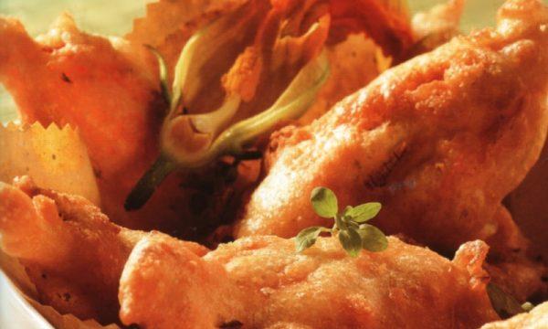 Fiori di zucchina fritti al sugo di pomodori
