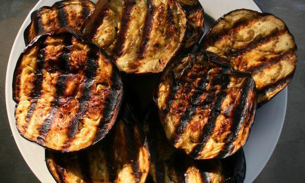 Sandwich di melanzane grigliate con prosciutto e galbanino