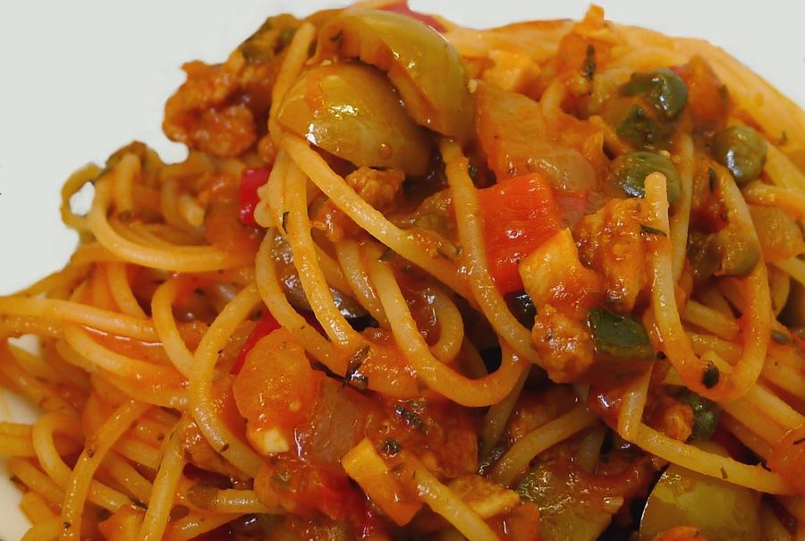 spaghetti-veloci-in-salsa-cruda