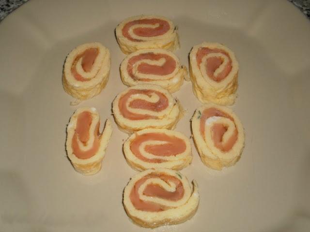 frittata-arrotolata-farcita-con-crema-di-salmone-1