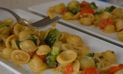 Orecchiette ai broccoli e salmone affumicato
