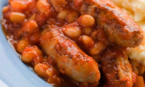 Salsiccie e fagioli borlotti al concentrato di pomodoro