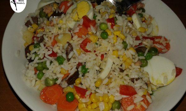 Video Insalata di riso alle verdure e tonno