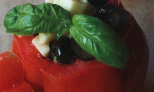 Pomodori ripieni alle olive e mozzarella