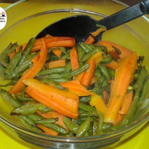 Contorno di fagiolini e carote video