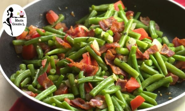 Fagiolini con pancetta e pomodorini