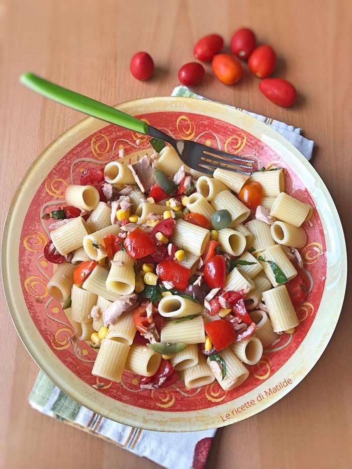 Pasta fredda con pomodori