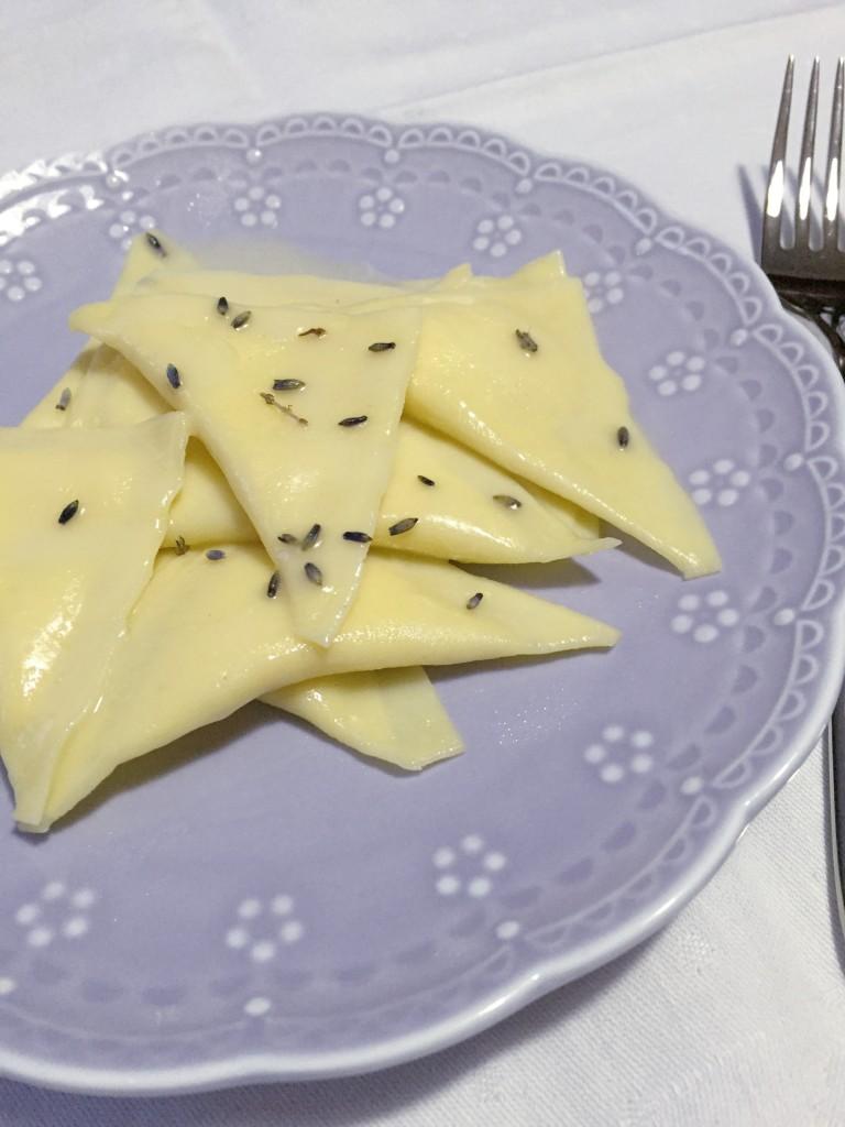 triangoli ripieni con mousse al parmigiano reggiano