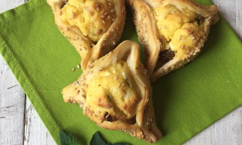 Flaounes, focaccine cipriote al formaggio