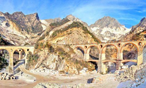 Ai piedi delle Apuane, Massa e Carrara