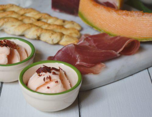 Gelato al melone con crumble di Prosciutto di Modena DOP