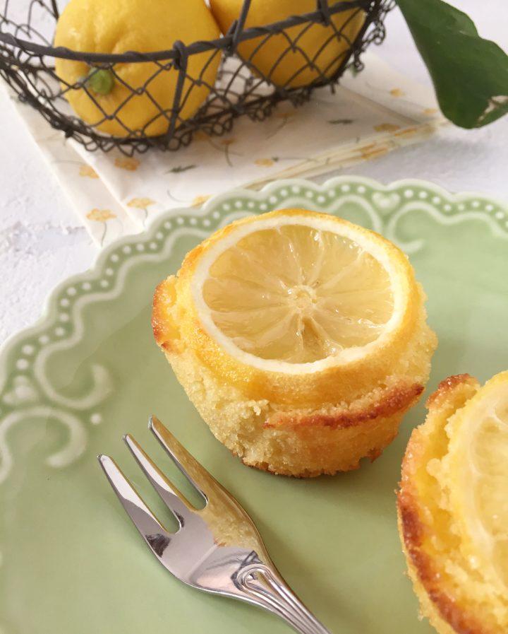 Tortine di semolino al limone