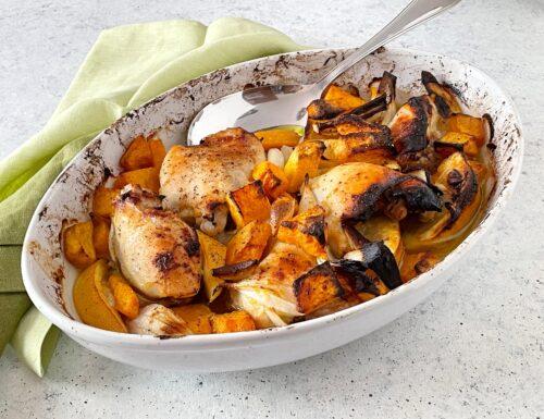 Pollo arrosto con zucca, cipolla rossa e limone
