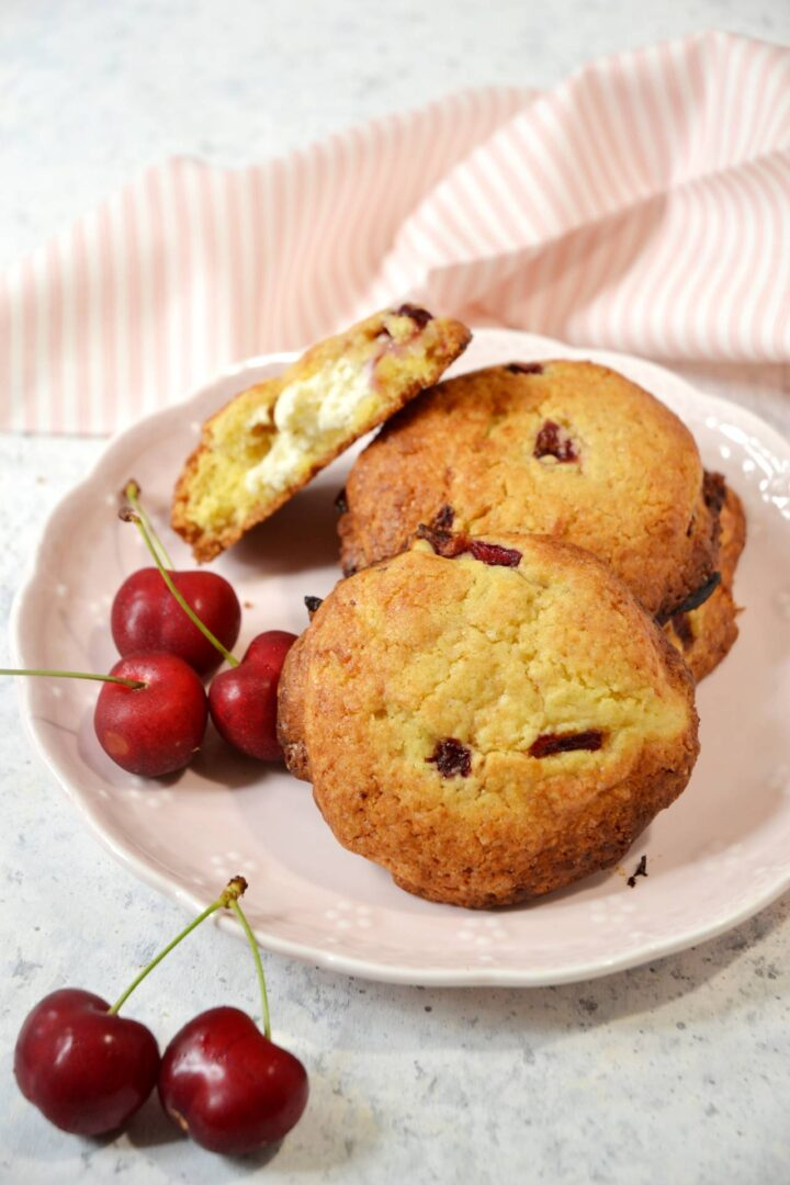 Cream cheese cookies alle ciliegie