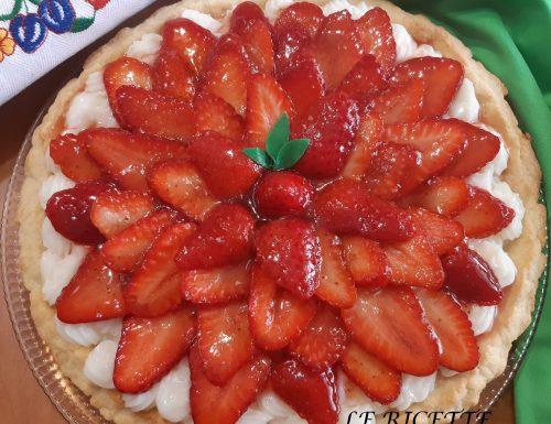 Crostata fredda con crema e fragole