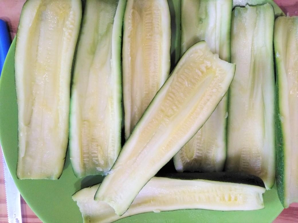 Barchette di zucchine con pancetta affumicata
