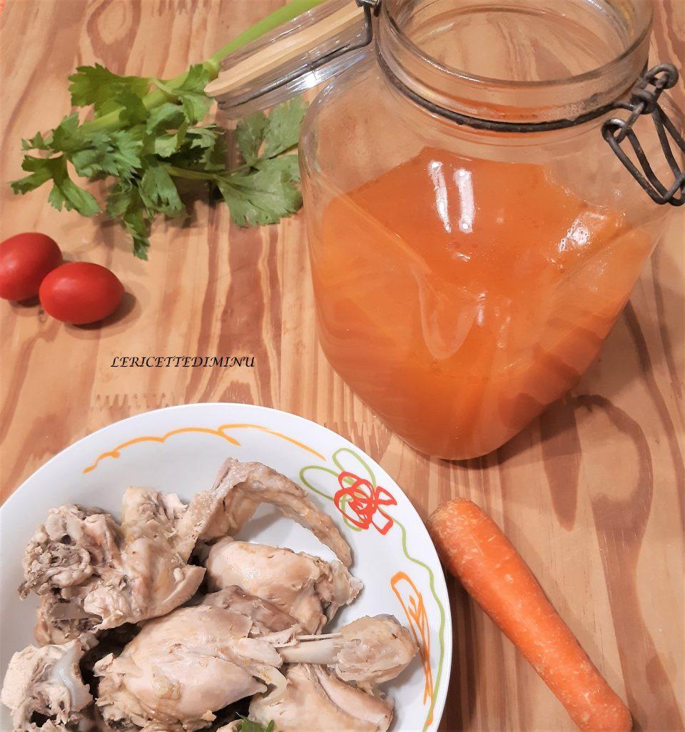 Ricetta del brodo di pollo