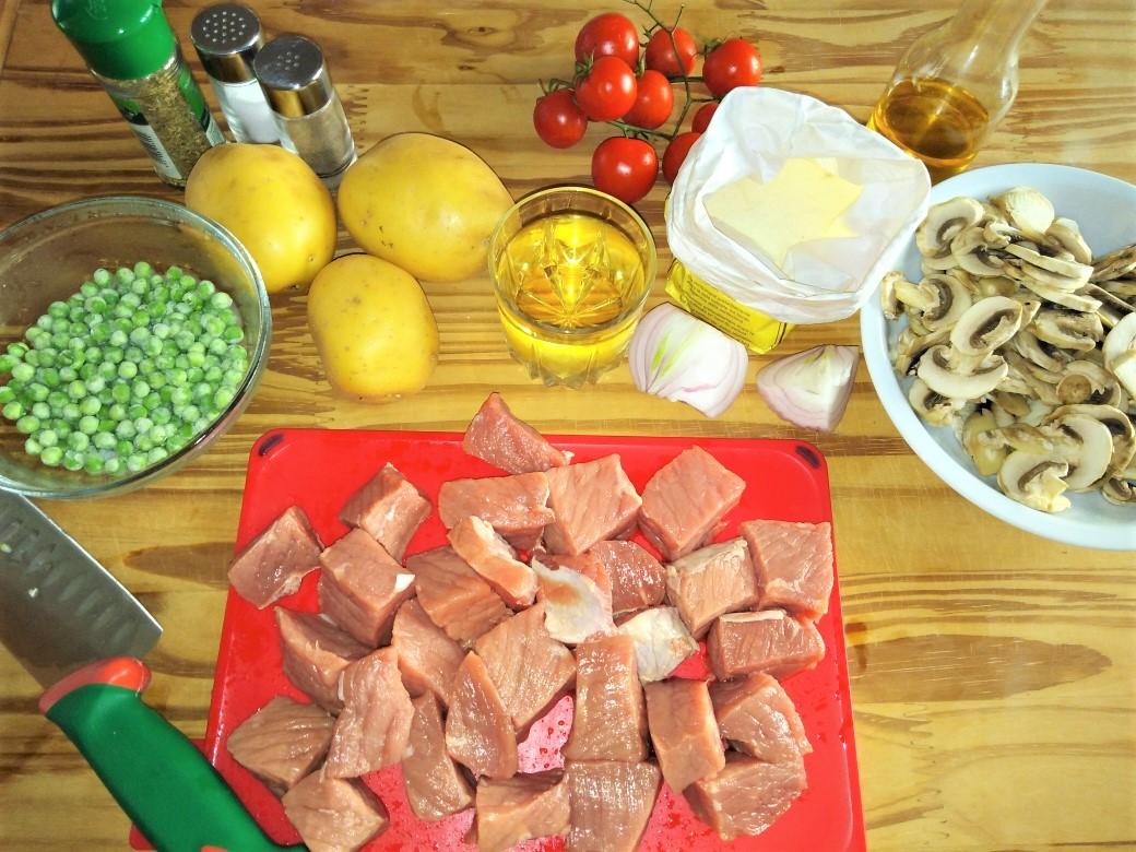 spezzatino patate funghi e piselli