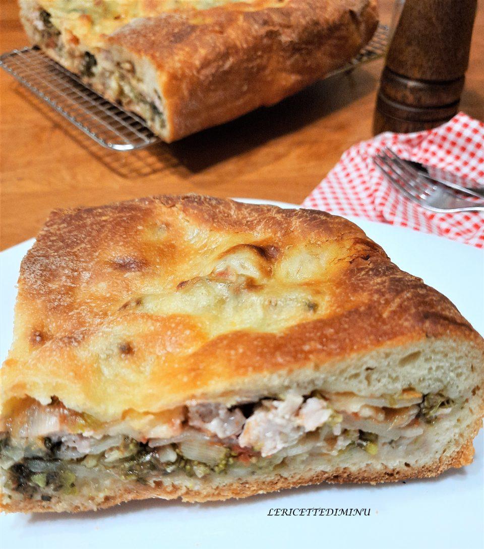 Schiacciata o scacciata siciliana con broccoli