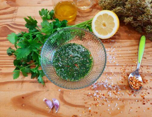 Salsa verde chimichurri per carne e pesce