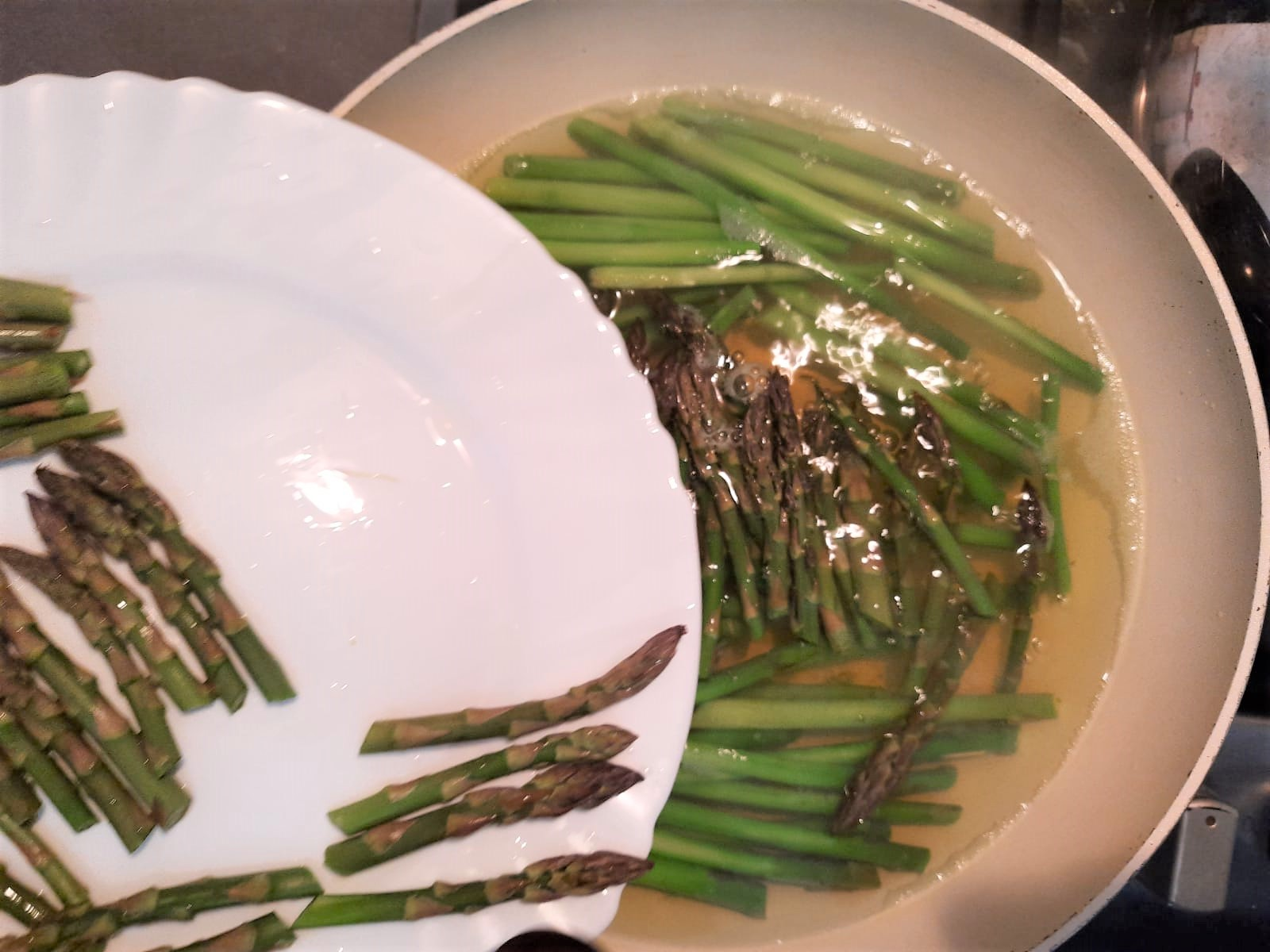 Torta salata di asparagi con pasta sfoglia