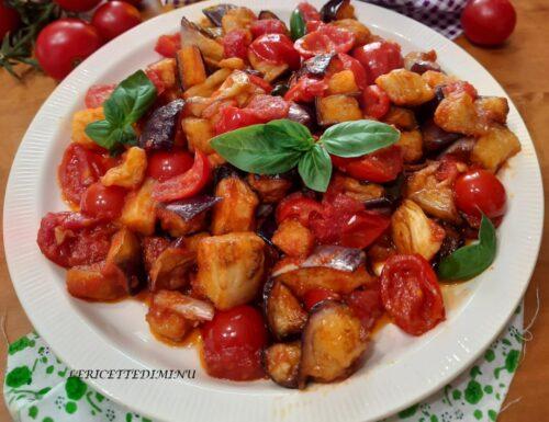 Melanzane a funghetto con  pomodoro