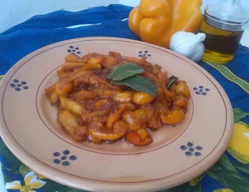 Peperoni gialli in agrodolce