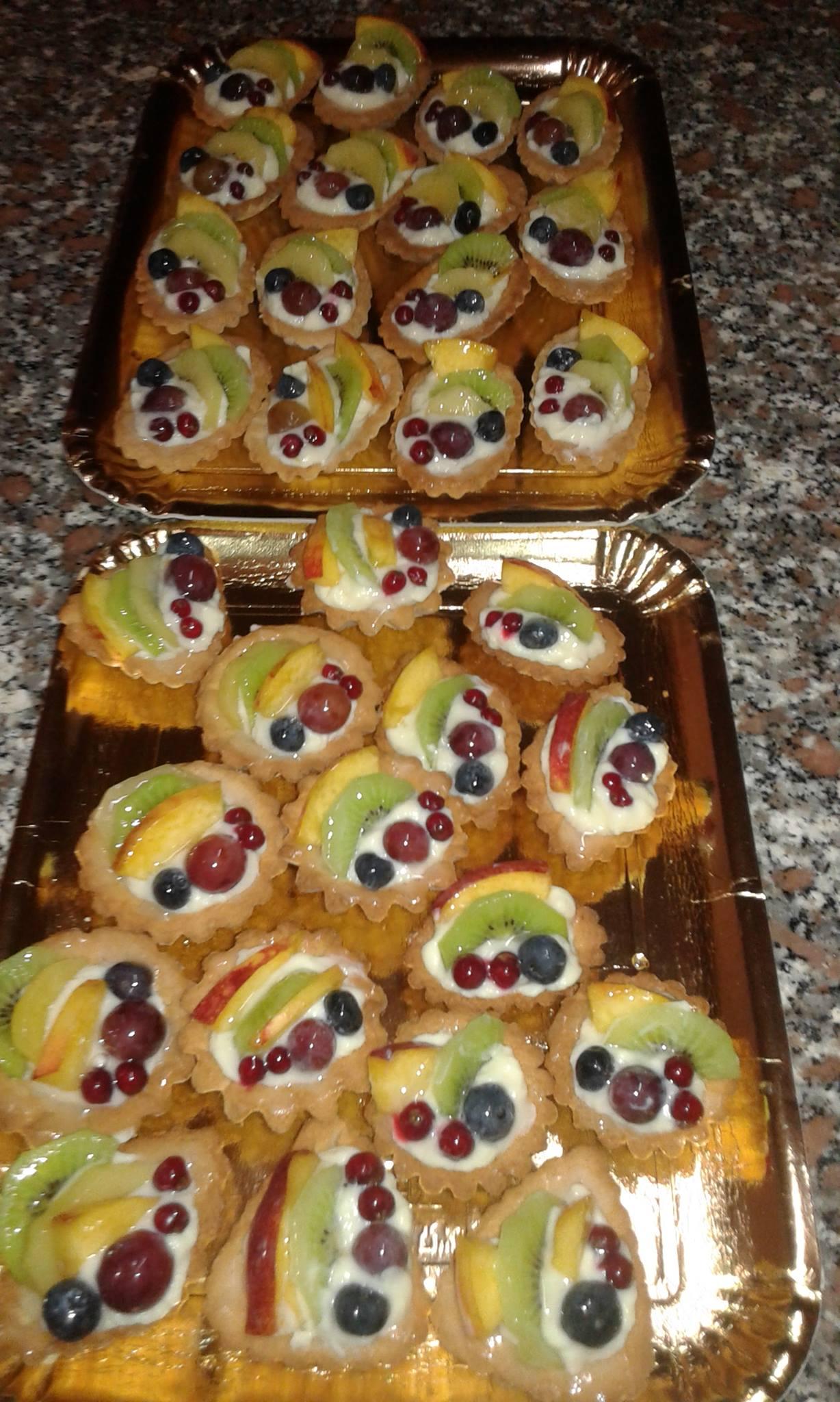 Fruttini di frolla e crema pasticcera